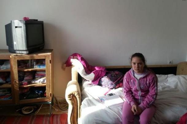 Photo of Jelena, djevojčica koja živi sama