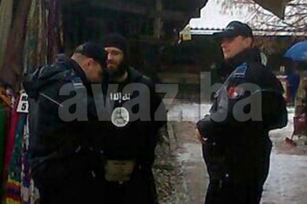 Photo of Nošenje majice sa oznakama 'Islamske države«' nije krivično djelo