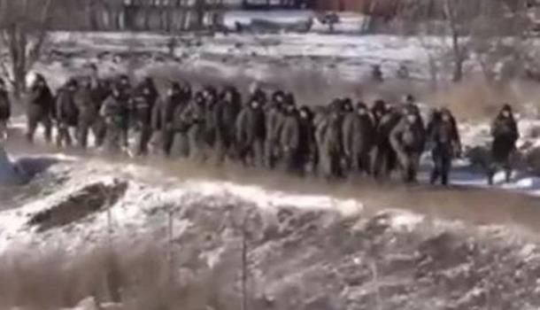 Photo of PAD DEBALJCEVA: Pogledajte masovnu predaju ukrajinskih vojnika