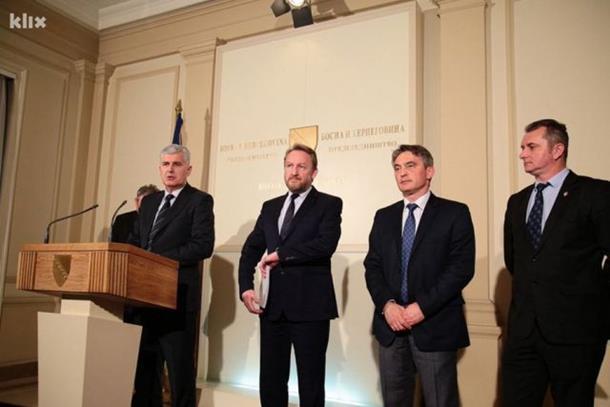 Photo of Završen sastanak lidera stranaka, sporno jedno ministarstvo i jedno mjesto zamjenika