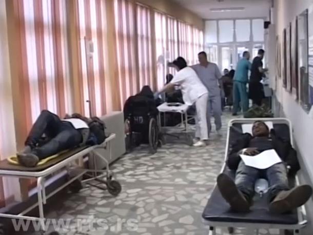 Srbija: Kombi pun migranata sletio s puta, 40 povrijeđenih