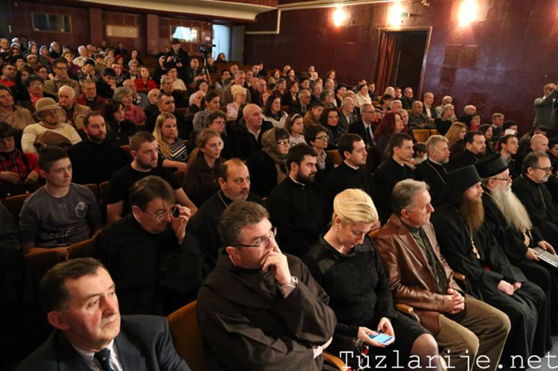 """Photo of Svetosavska akademija u Tuzli: Zvornički KUD """"Sveti Sava"""" oduševio publiku (foto/video)"""