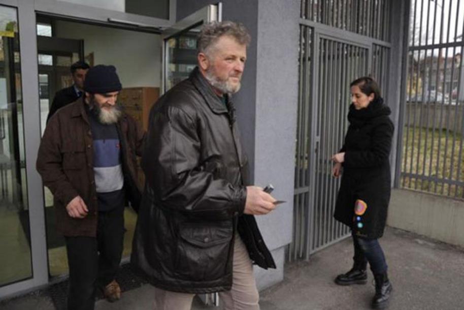 Photo of Preko Skajpa saznao da mu je sin poginuo u Siriji