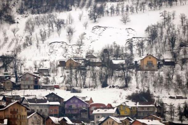 Photo of Brdo klizi prema kućama u Banjaluci