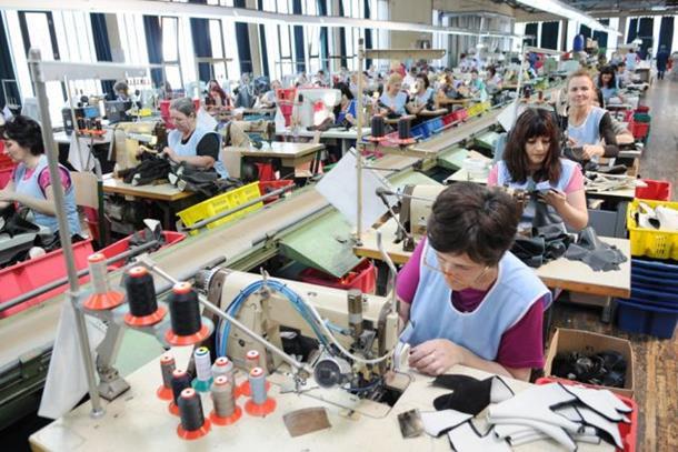 """Photo of """"Bema"""" od marta proizvodi domaće cipele"""