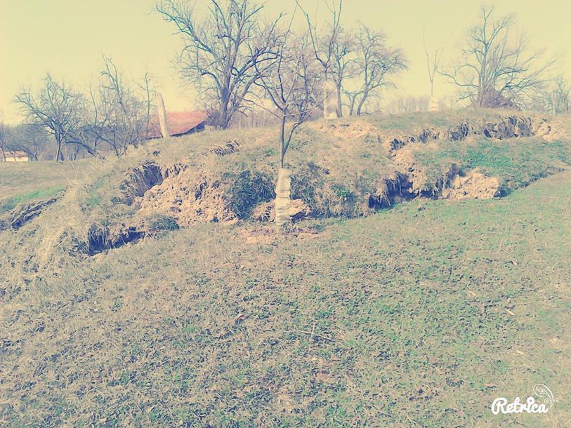 Photo of Neobična pojava u Peckoj kod Roćevića: Zemlja se izdigla i napravila novo brdo