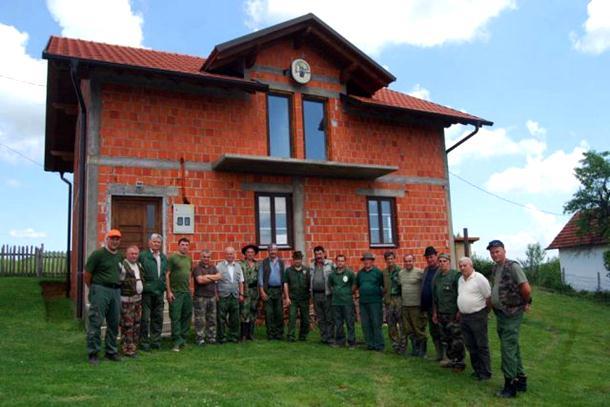 Photo of Izgrađeno 40 lovačkih kuća i šest lovačkih domova