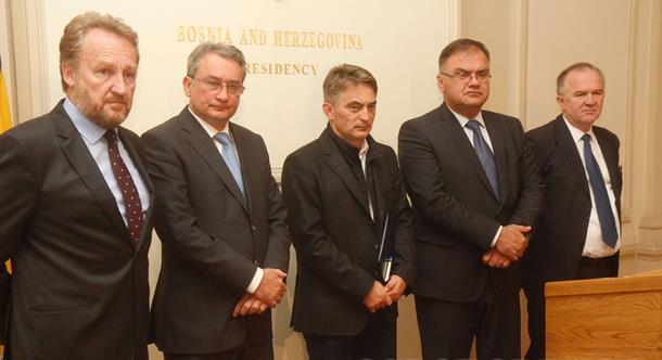 "Photo of SDA želi sa SDS-om, PDP-om i NDP-om da ""preuzme"" opštine"