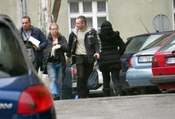 Photo of Neviđena otmica dosad u Beogradu: Tri otmičara otela djevojčicu i pripremili joj pasoš