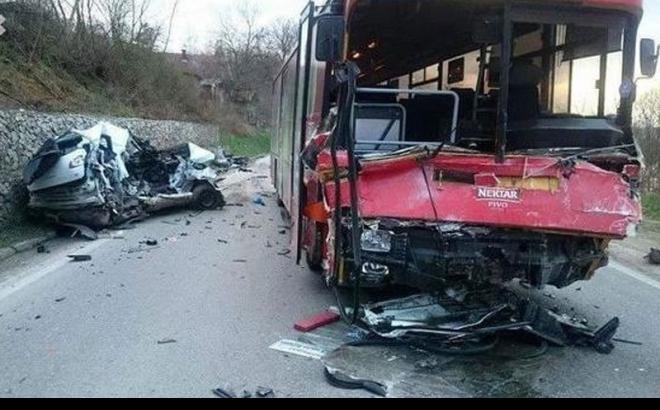"Photo of Poginuo vozač ""renoa"""