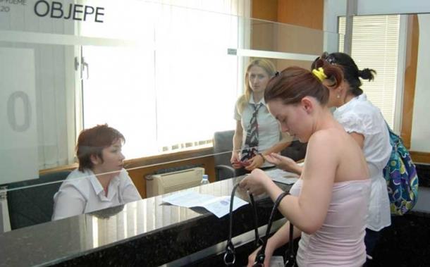 Photo of Za posao i dalje traže hrpu papira
