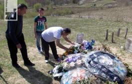 Fudbaleri Gubera posjetili grob Dejana Đukanovića