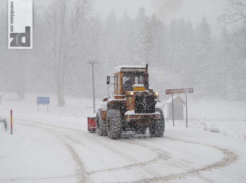 Photo of Zbog snijega oprez na prevojima Han pogled i Crni vrh