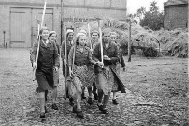 Photo of Okrutne žene logora smrti: Iza osmjeha krilo se zlo