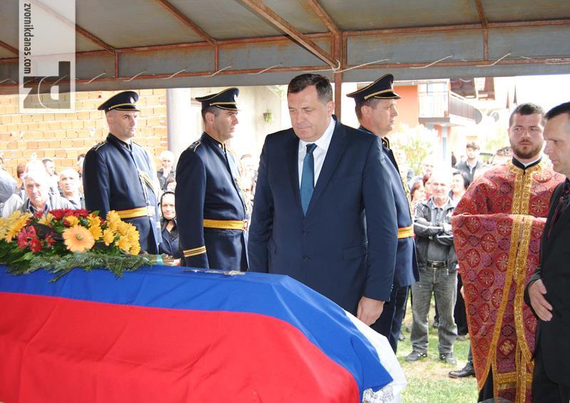 Dodik i Lukač posjetili ranjene policajce