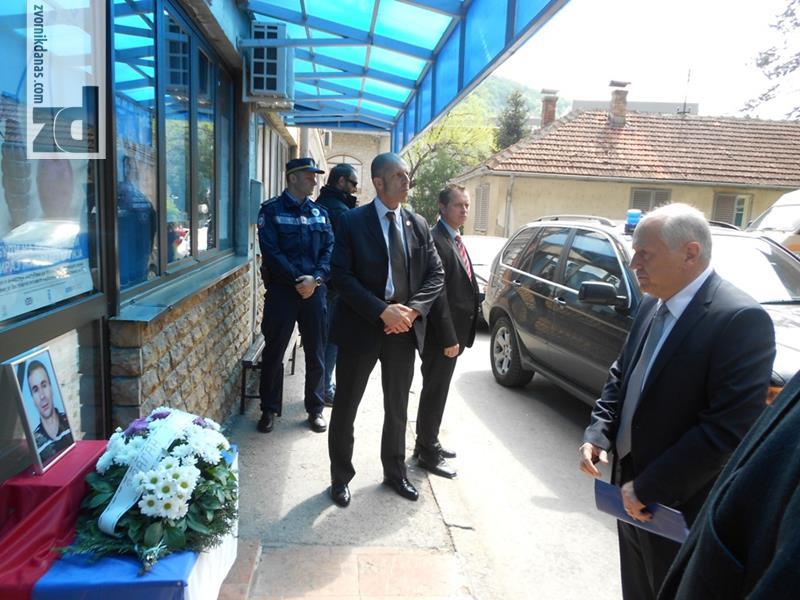Photo of Incko posjetio ranjenog policajca i razgovarao sa Stevanovićem, Vidovićem i Mehmedovićem