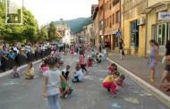 """Počele manifestacije u okviru obilježavanja Dana opštine Zvornik - mališani vrtića """"crtali svom gradu"""""""