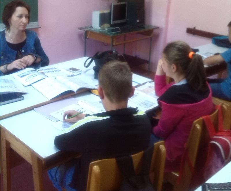 Photo of NLB Razvojna banka uručila dva računara školi u Drinjači