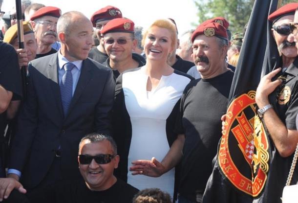 Photo of Grabar Kitarović: RS nije nastala 9. januara, taj dan je falsifikat i provokacija