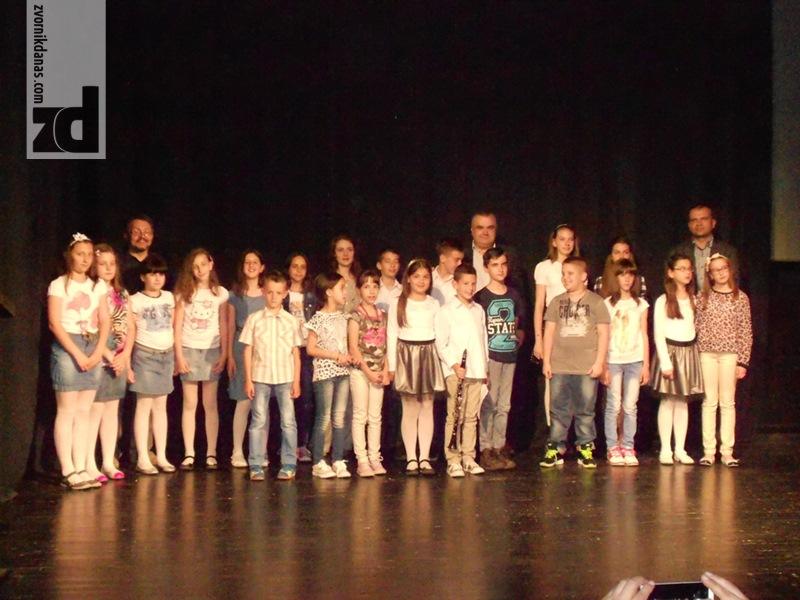 Photo of Osnovci iz Muzičke škole svirali svom gradu