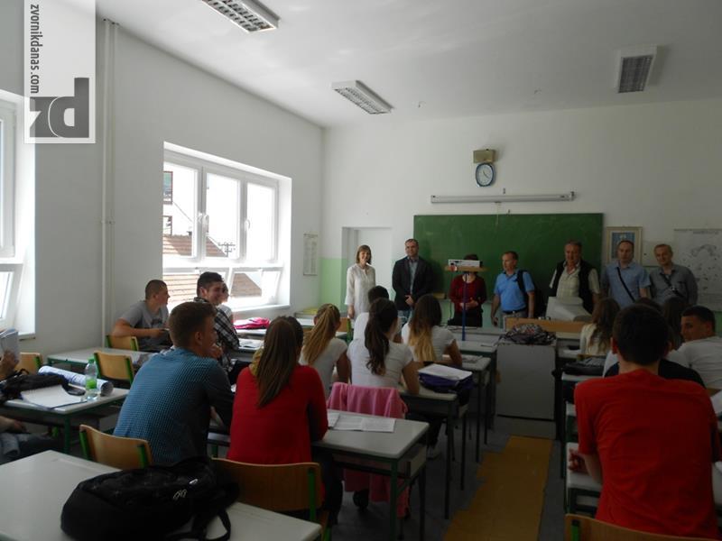 """Photo of U SŠC """"Petar Kočić"""" zamjenjena stolarija i rekonstrusani učenički toaleti"""