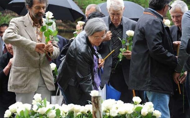 Photo of Obilježene 23. godine od stradanja vojnika u Tuzlanskoj koloni