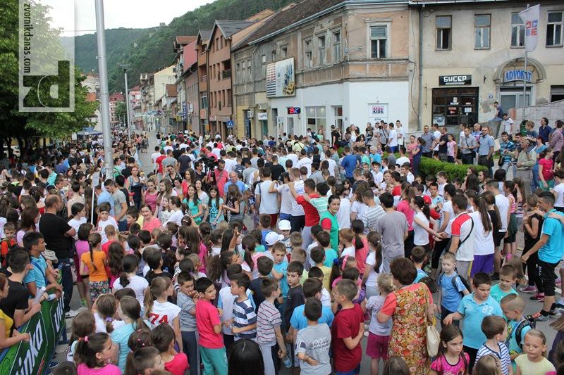 Photo of Ulične trke okupile oko 1.000 djece i mladih (foto)