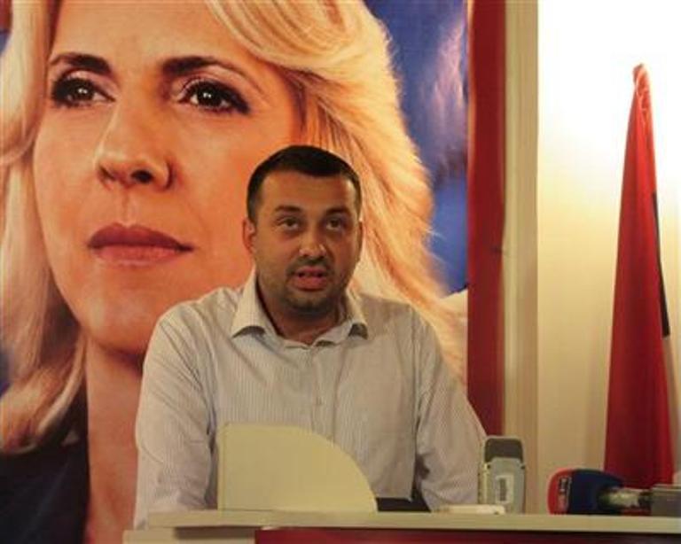 Photo of Petrović: Studentske školarine neće biti povećane