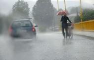 Saobraćaj se odvija po mokrim i klizavim kolovozima, mogući sitniji odroni