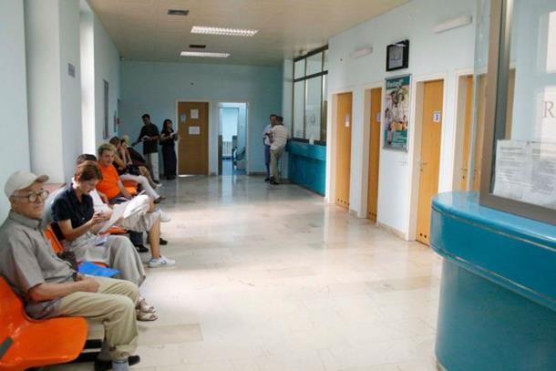 Photo of Počelo rezanje broja radnika u zdravstvu