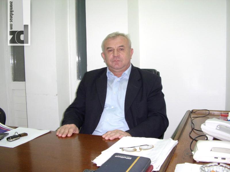 Photo of DRINA GORI A PREDSJEDNIK SE ČEŠLJA: Da li je došlo vrijeme za korjenite promjene?