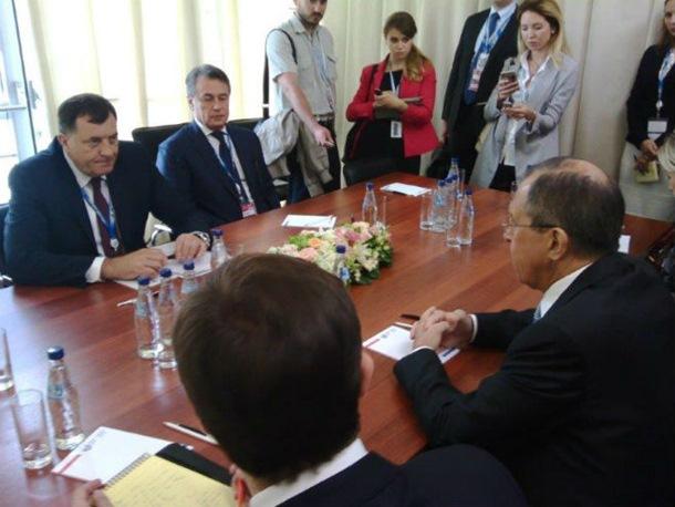 Photo of Dodik-Lavrov u Sankt Peterburgu: Rezolucija o Srebrenici potpuno neprihvatljiva za Rusiju