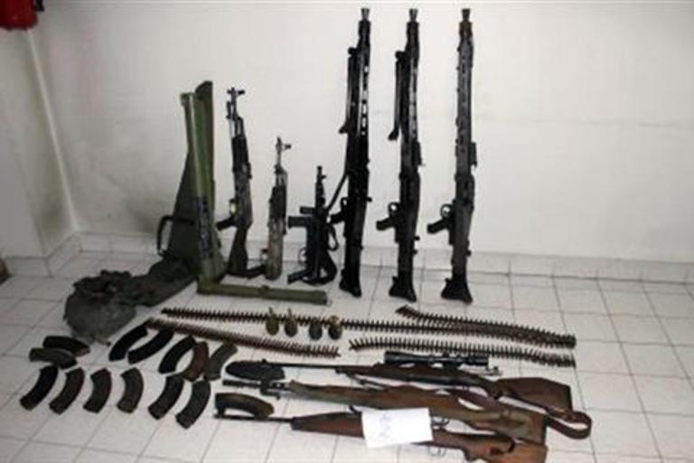 U Srebreniku pronađen arsenal naoružanja