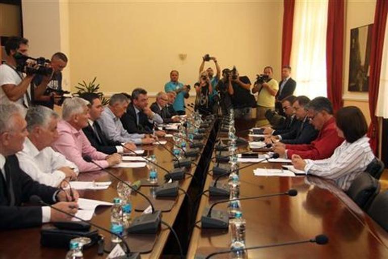 U toku sastanak Dodika sa predstavnicima Srpske u Parlamentu BiH