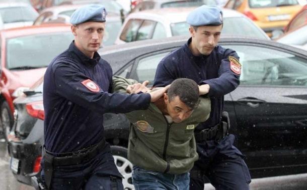 Photo of Muž ubica krio arsenal oružja