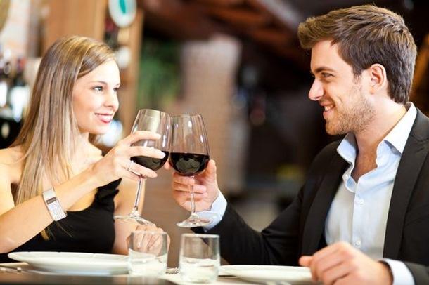 večera par cuga alkohol ljubav veza