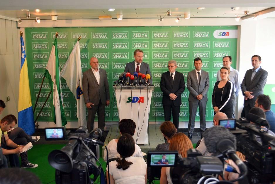 Photo of Izetbegović: Raspisivanje referenduma predstavlja najopasniji čin destrukcije Dejtonskog sporazuma