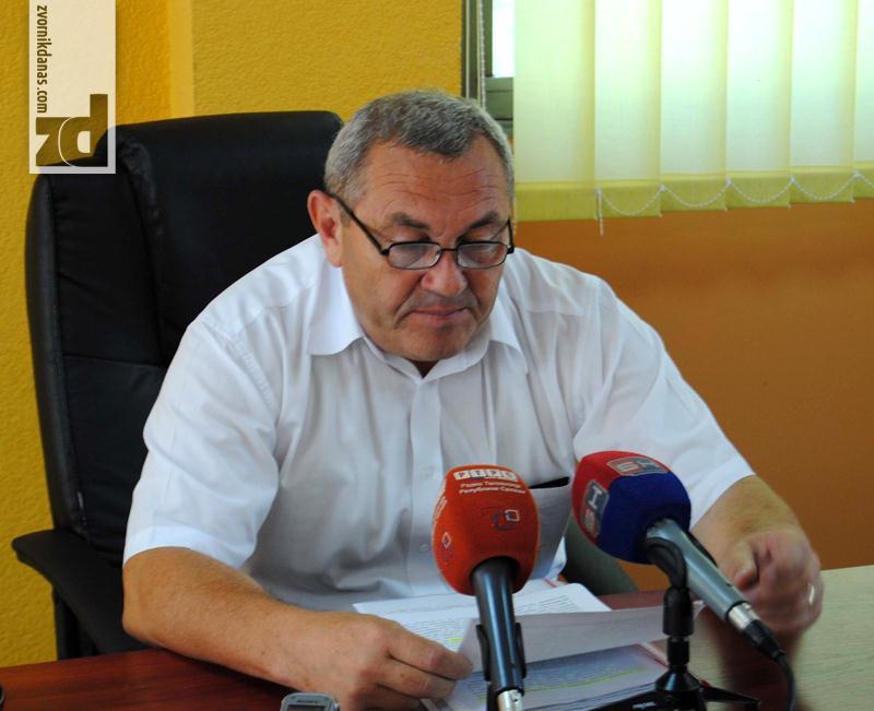 Photo of RVI Zvornik: Ukloniti neovlašćeno podignut spomenik Ejubu Goliću