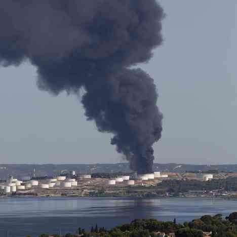 Photo of Marsej: Požar skoro sigurno podmetnut