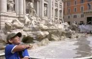 Pacovi zagospodarili čuvenom fontanom Di Trevi u Rimu