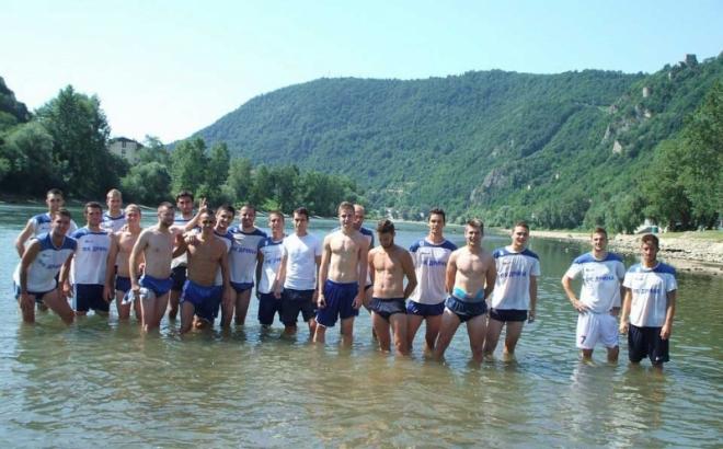 Photo of Pogledajte kako se oporavljaju fudbaleri Drine nakon treninga