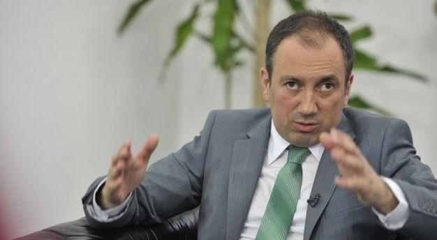 Photo of Crnadak: Nisam službenim vozilom dovezao Stanivukovića