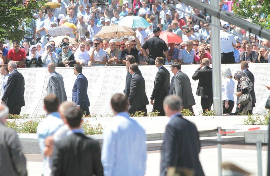 Photo of Đurić: Treba utvrditi i političku odgovornost zbog propusta u Potočarima