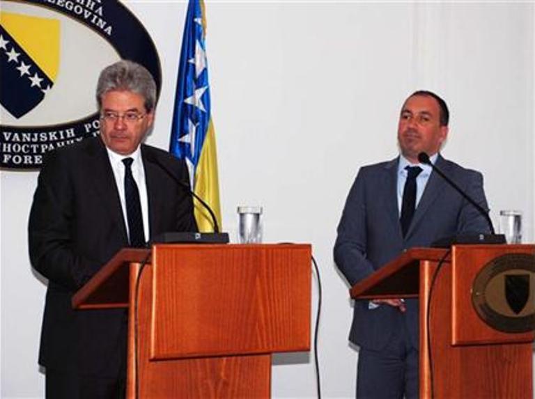 Photo of Procesuirati vinovnike napada na Vučića