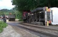 Prevrnula se cisterna - vozač poginuo