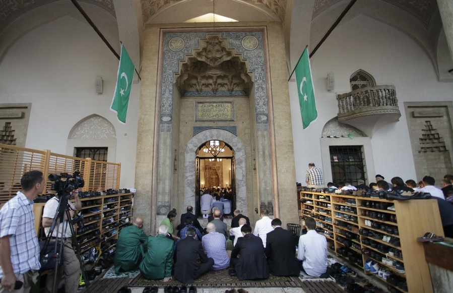 Photo of Muslimani proslavljaju Ramazanski bajram (foto)