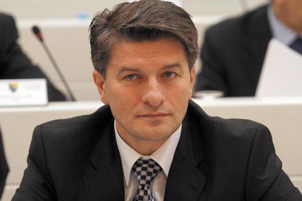Photo of Mehmedović: Sigurnosnim sistemom u BiH upravljaju velikosrpske i četničke obavještajne službe