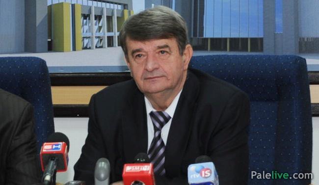 Photo of Zbog saradnje sa vlastima Srpske, iz SDS-a isključen Slobodan Savić