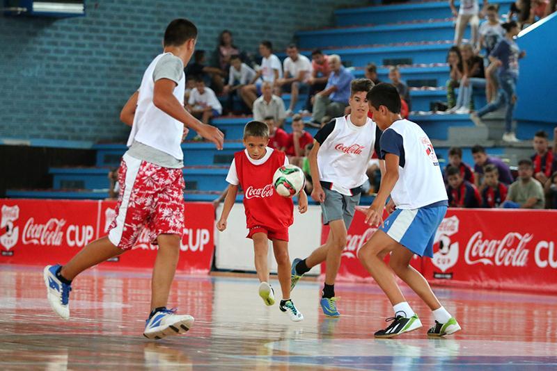 Photo of Zabranjena javna okupljanja i sportske aktivnosti
