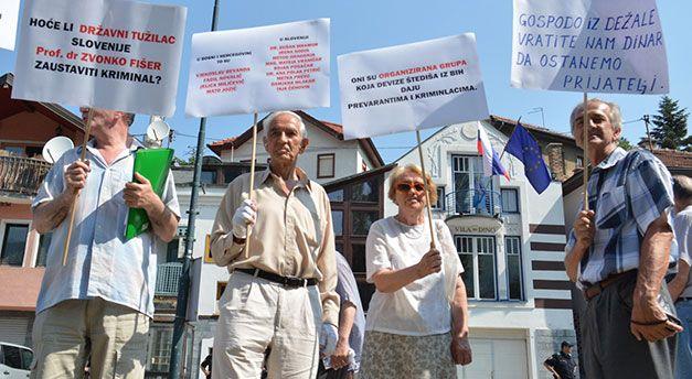 Photo of Protest štediša Ljubljanske banke zbog slovenačkog zakona